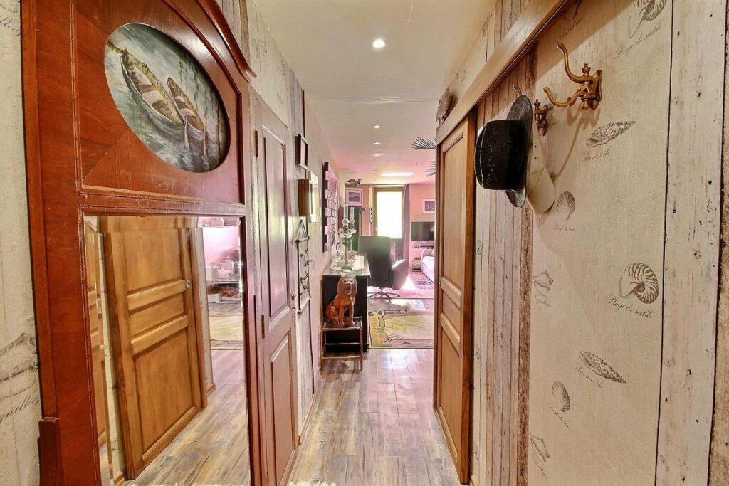 hallway of apartment in menton