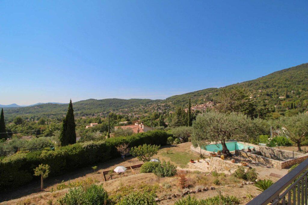 view of surrounding mountains of seillans villa