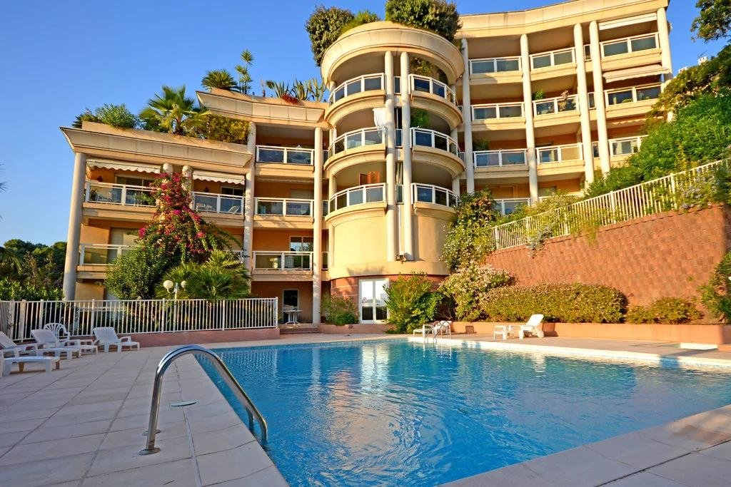 apartment building in le cannet with swimming pool