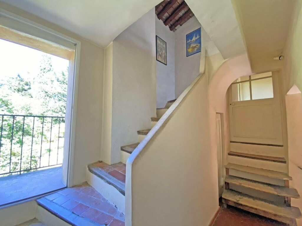 house in grasse minutes walk from city center