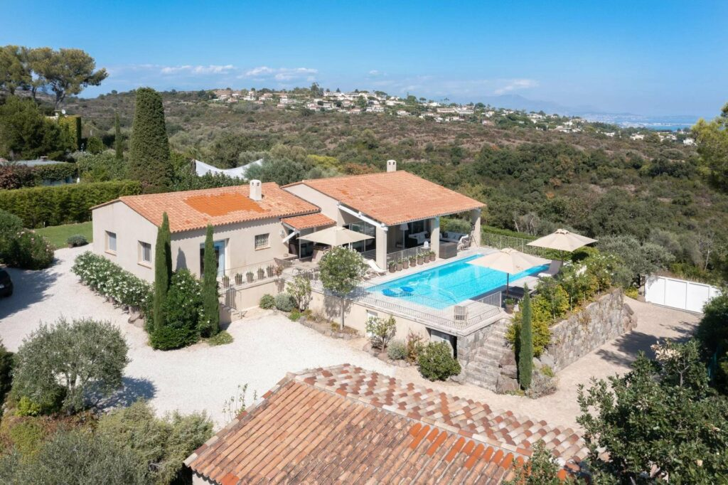 Villa with 7 rooms in Biot