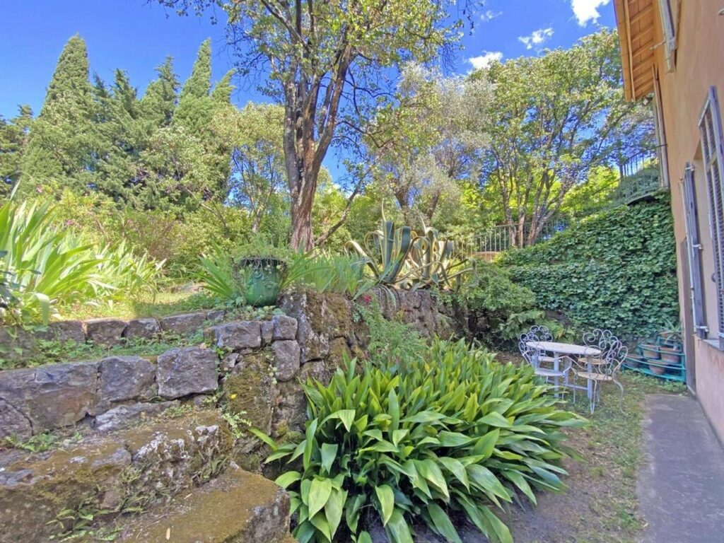 property in south france with large garden