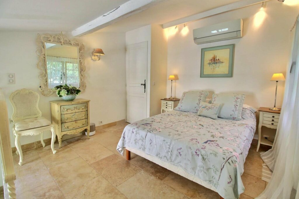 bedroom of villa for sale in cannes with private pool