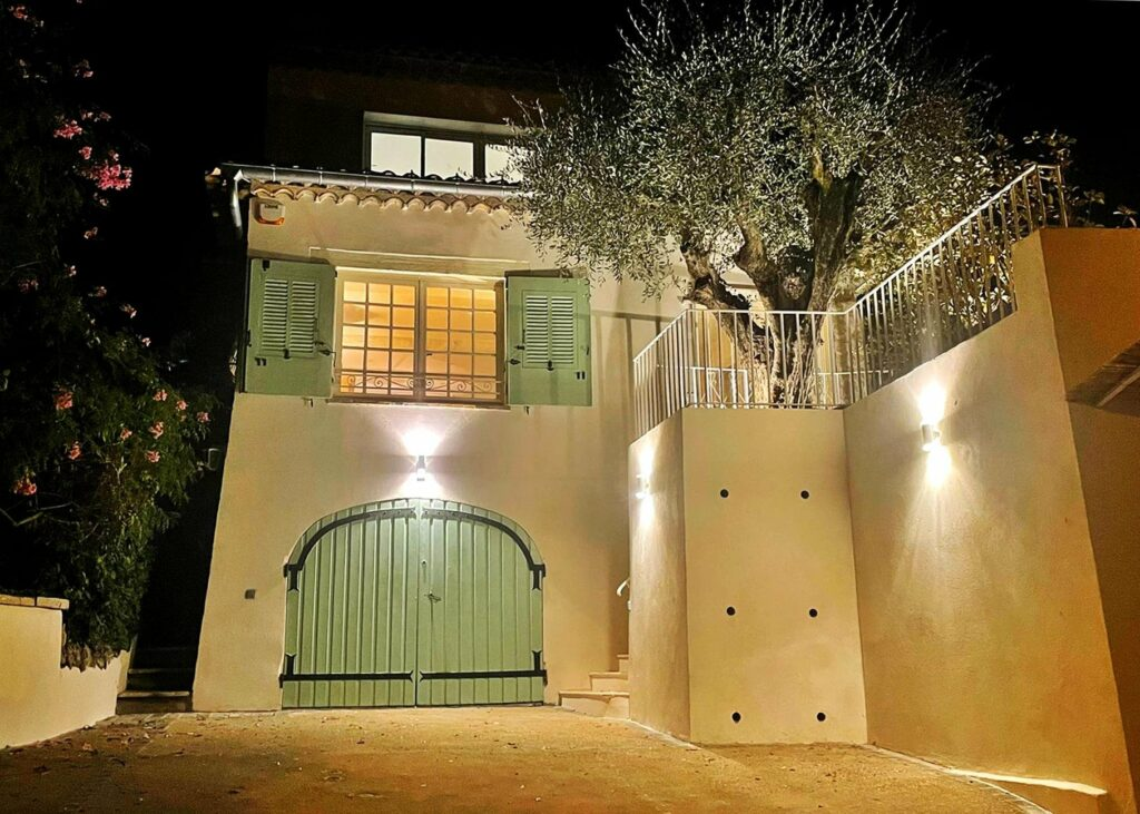 villa in cannes with two floors and garden