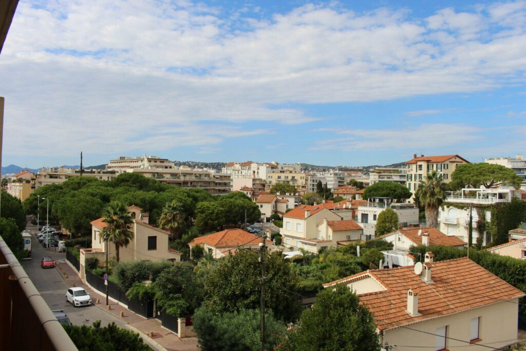 apartment for sale in juan les pins with city view