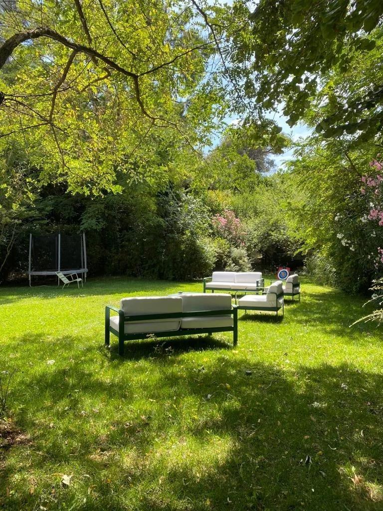 green backyard of south of france villa
