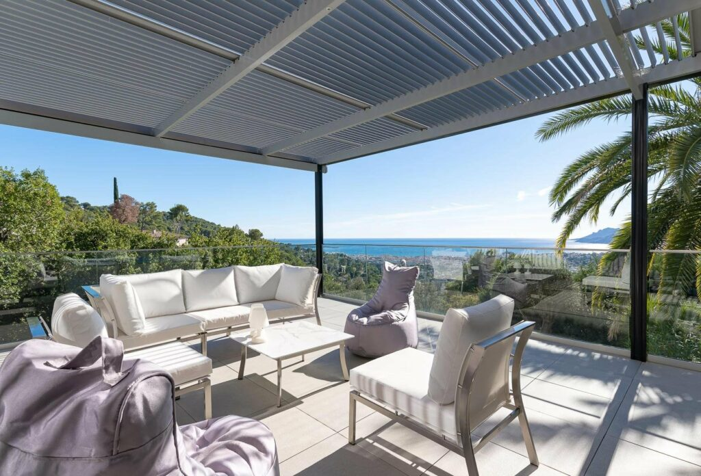 backyard with sea view and swimming pool in cannes