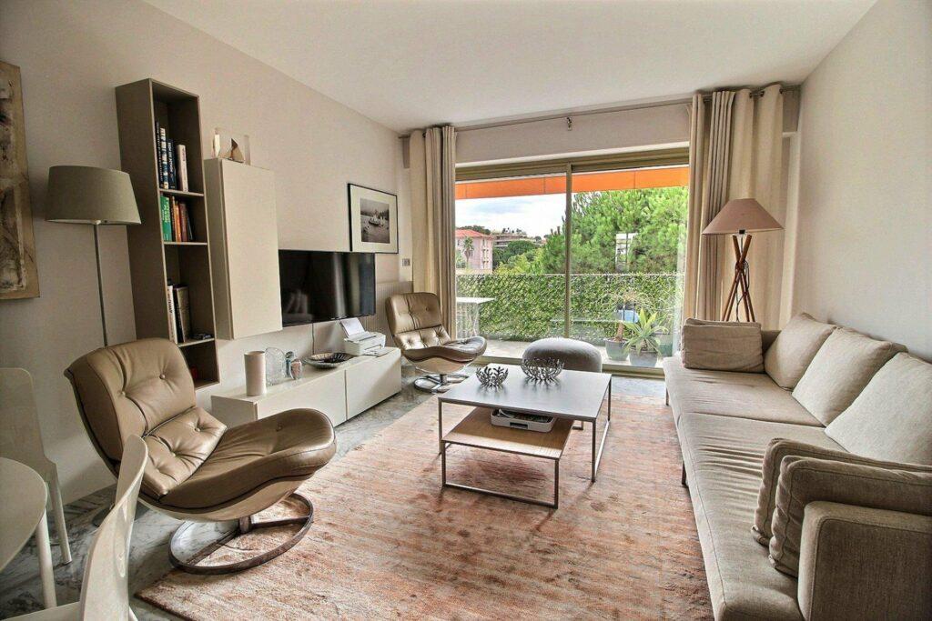 Two bedroom apartment Juan les Pins