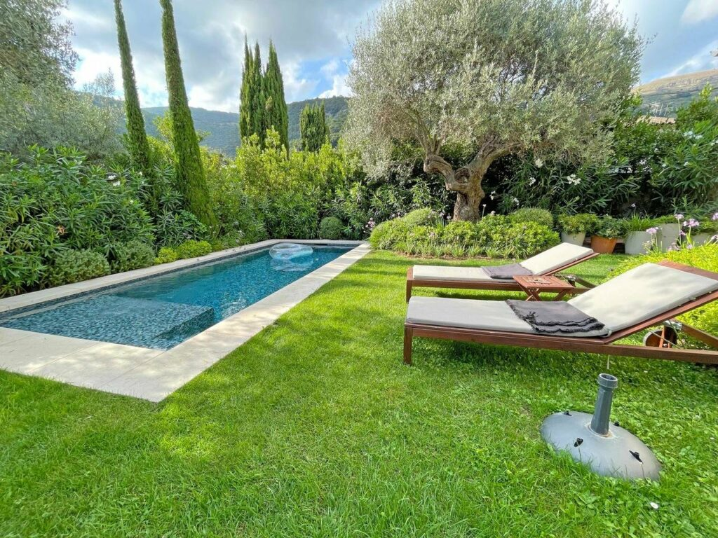 backyard of villa in Tourrettes-sur-Loup with a private pool