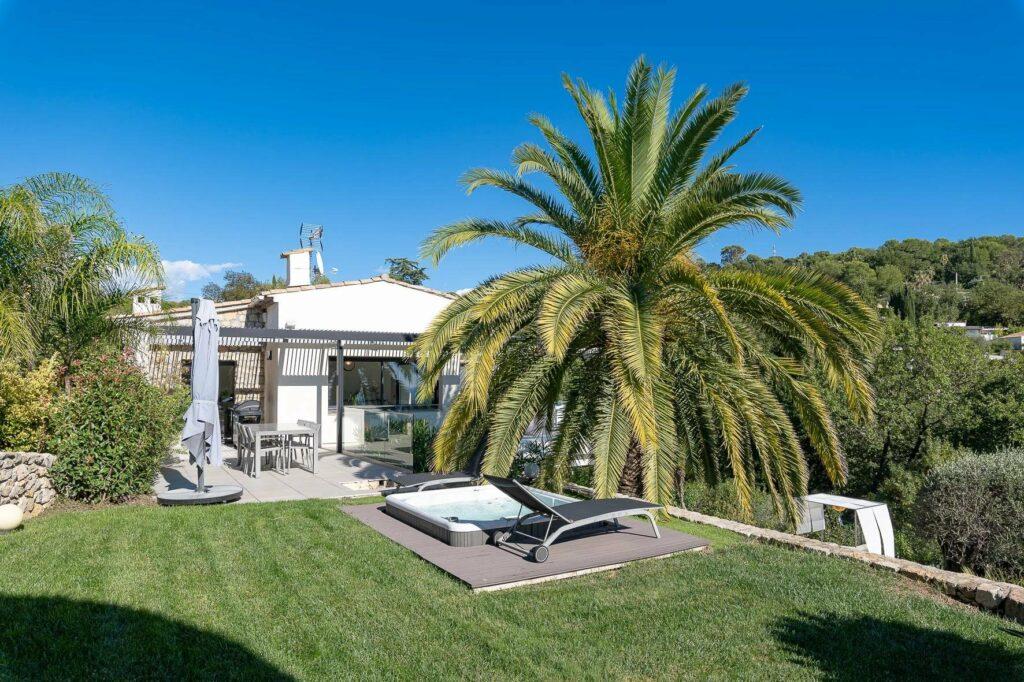 large garden of contemporary garden in south france property villa