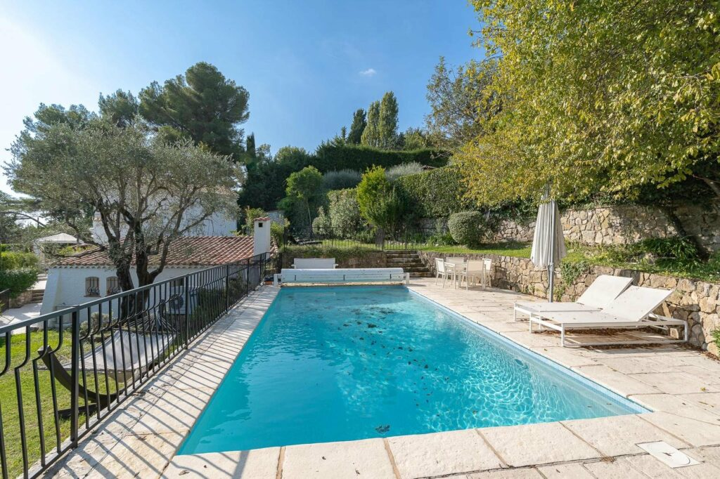property for sale in south france with private pool